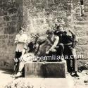 1971/A la fontaine de l'arc de triomphe