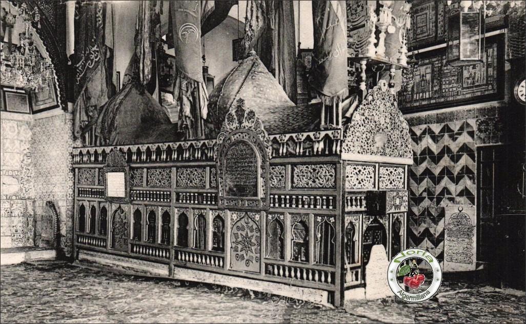 L'intérieur du tombeau