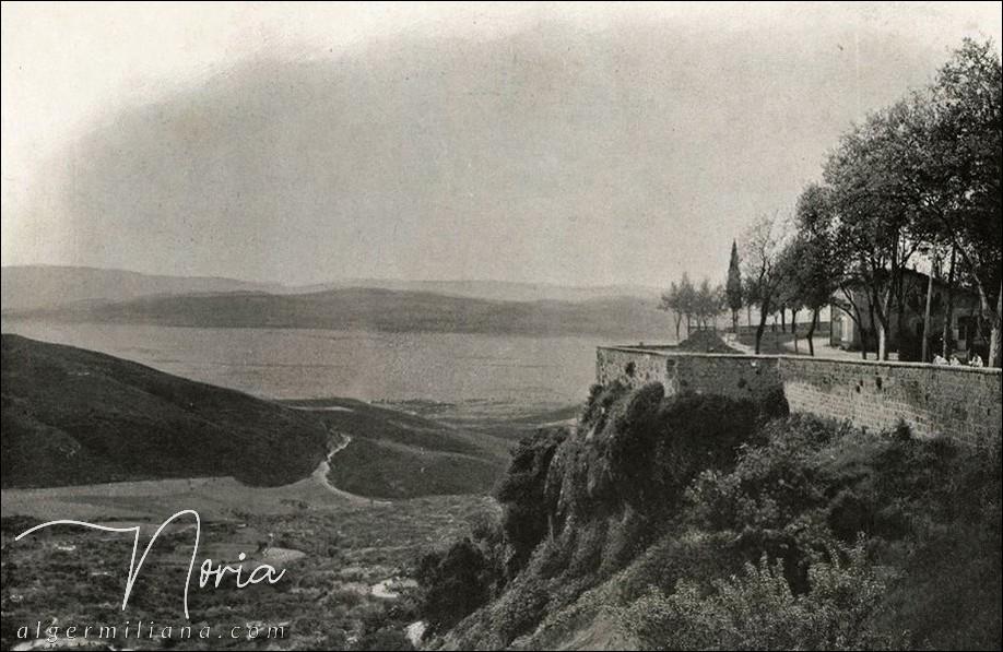Flancs du Zaccar sur le bord de la plaine du Cheliff