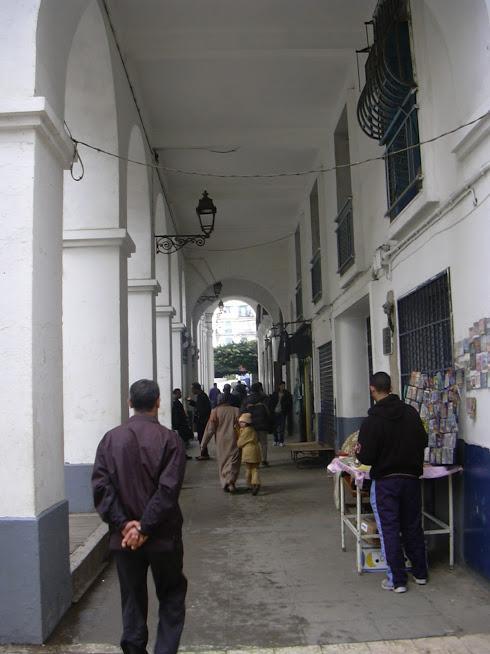 Rue Borely La Sapie. Entrée de l'église