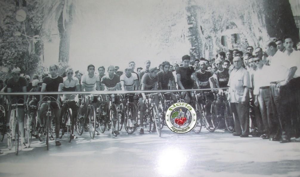 D part d une grande course de cyclisme a miliana en 1952